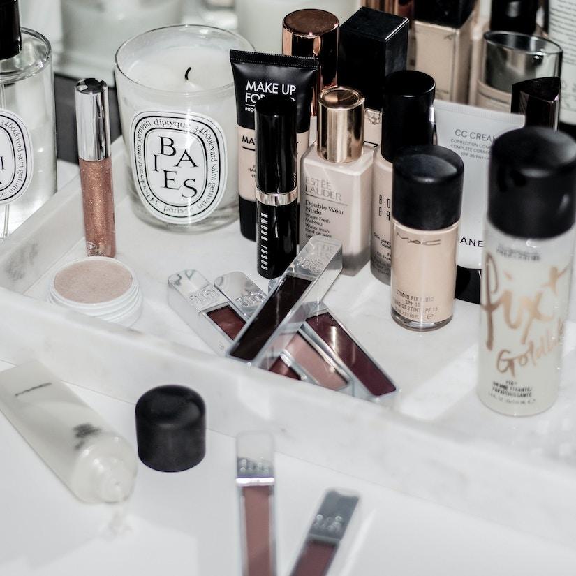 Verschiedene Make-Up-Produkte
