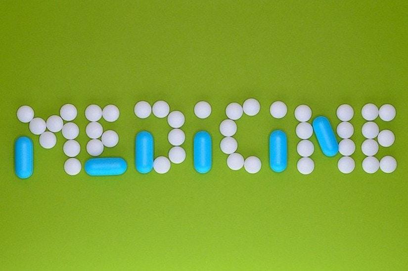 Mit Tabletten geschrieben: Medicine