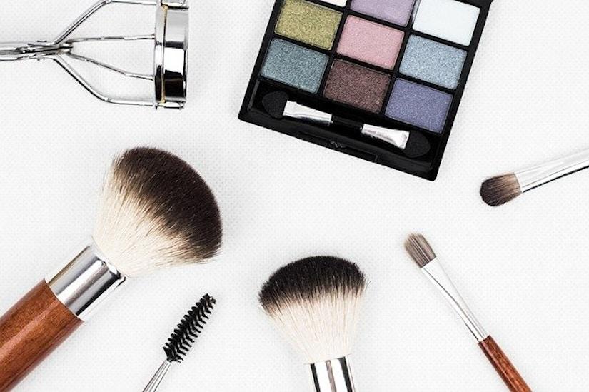 Make-Up Palette und Pinsel