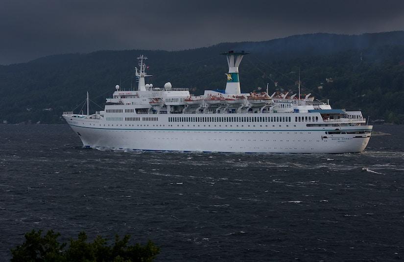 Kleineres Passagierschiff