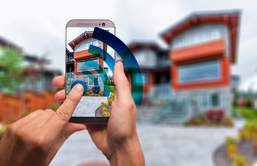 Smart Home wird mit Smartphone gesteuert